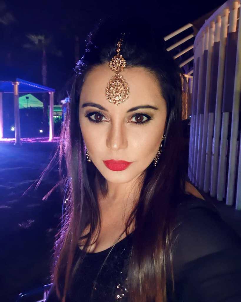 35+  Stunning Photos of Minissha Lamba 11