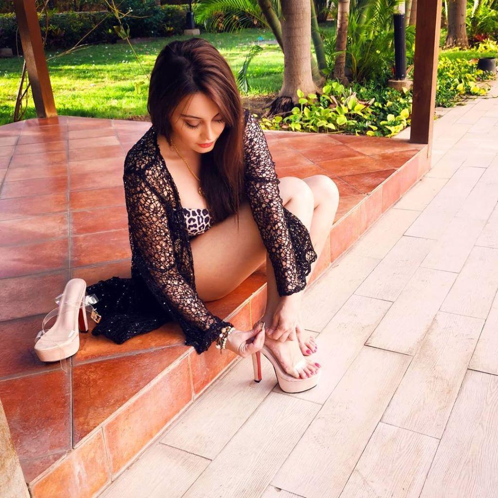 35+  Stunning Photos of Minissha Lamba 18