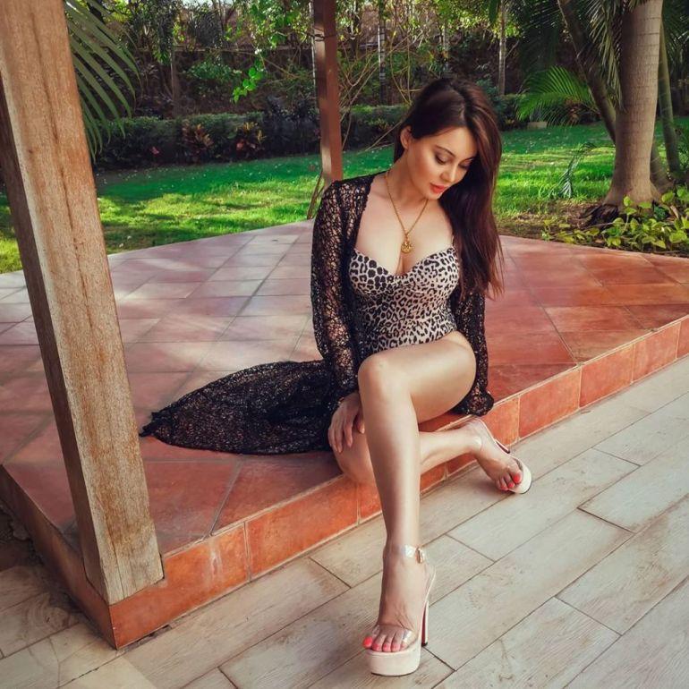 35+  Stunning Photos of Minissha Lamba 114