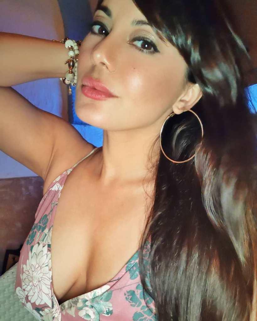 35+  Stunning Photos of Minissha Lamba 25