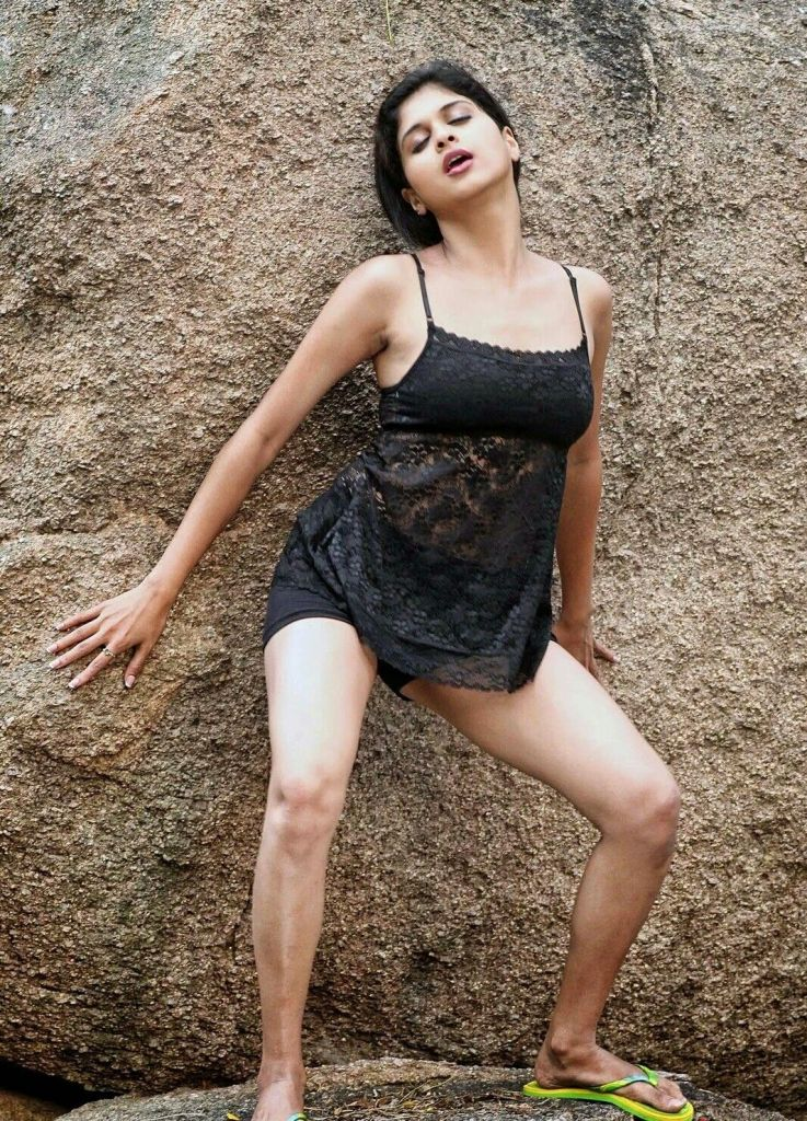 19+ beautiful Photos of Mrudhula Bhaskar 19