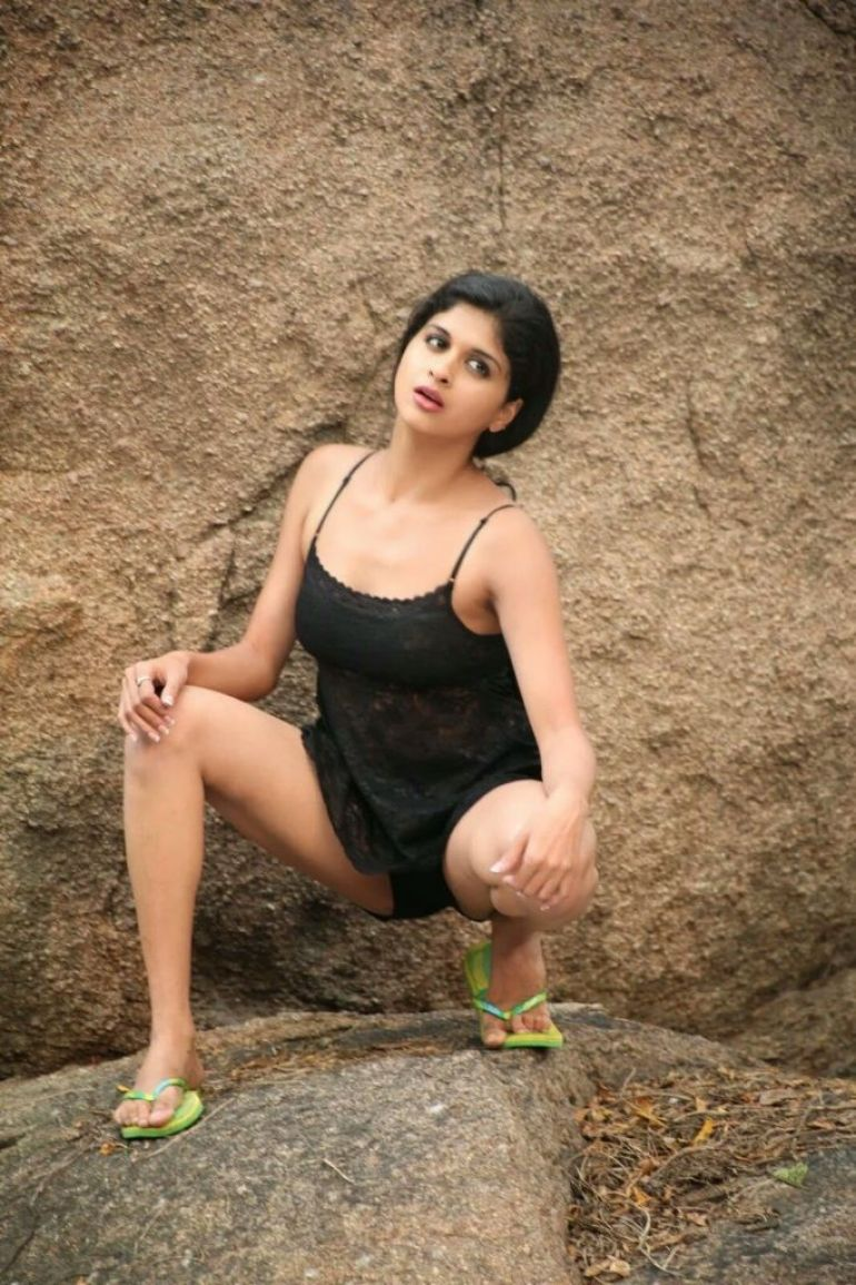 19+ beautiful Photos of Mrudhula Bhaskar 4