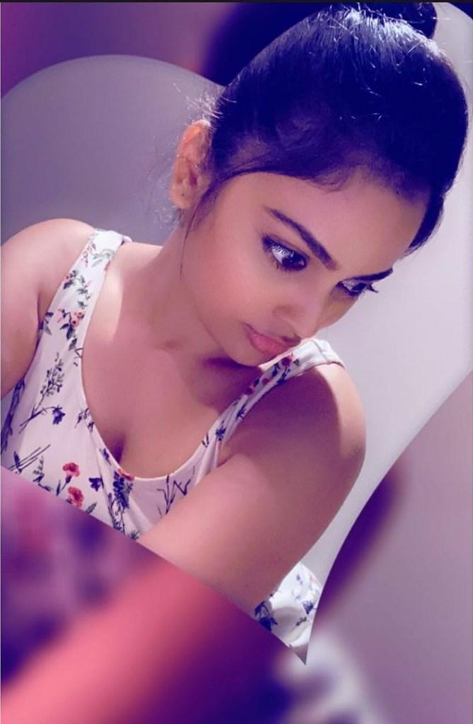 32+ Charming Photos of Nandita Swetha 13
