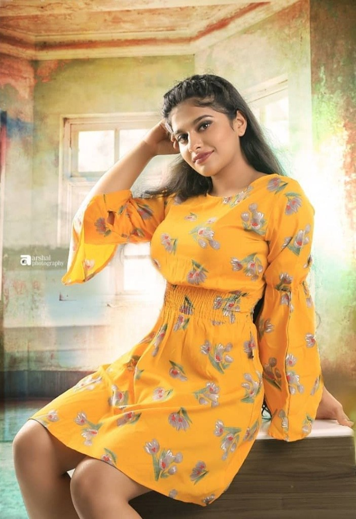 42+ Cute Photos of Nayanthara Chakravarthy 96