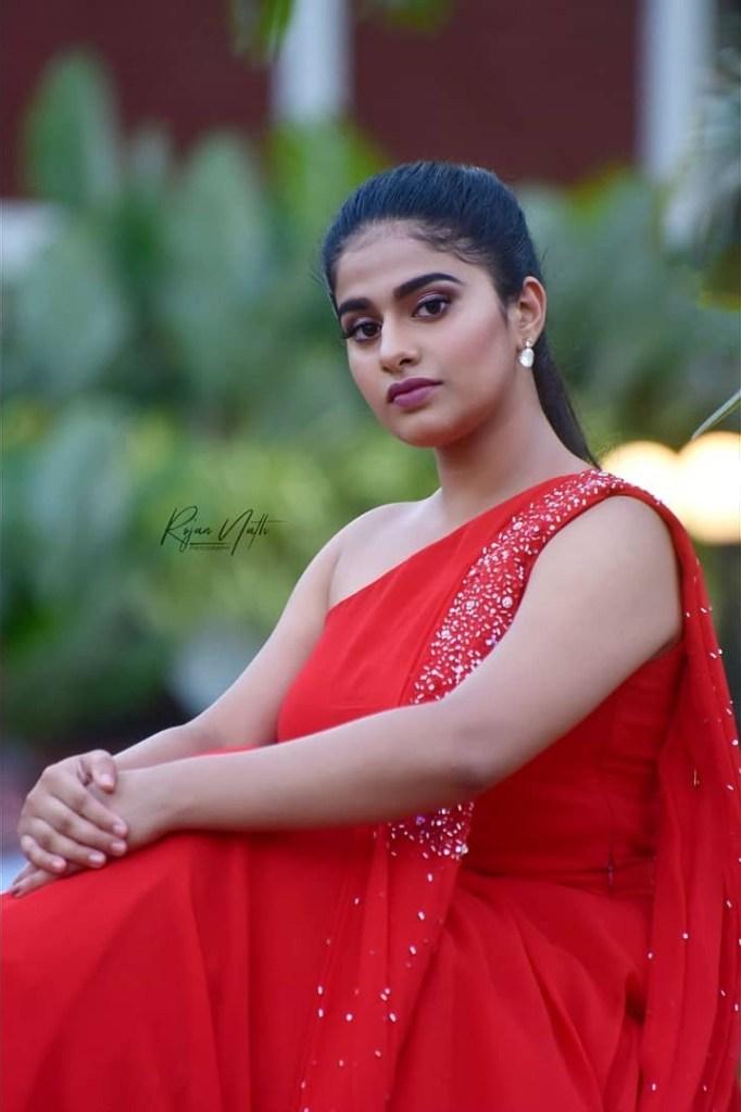 42+ Cute Photos of Nayanthara Chakravarthy 36