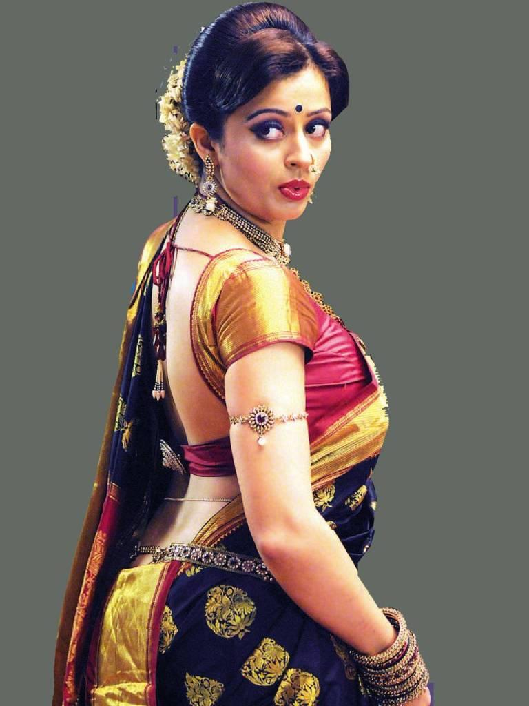 40+ Gorgeous Photos of Neha Pendse 117