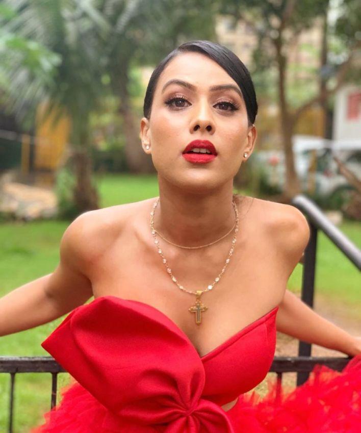 40+ Glamorous Photos of Nia Sharma 11