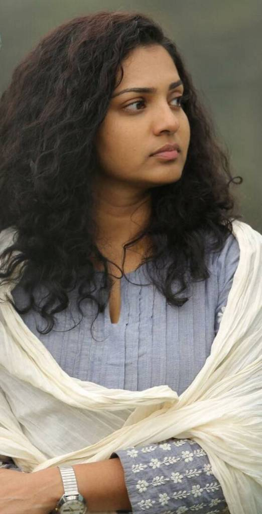42+ Stunning Photos of Parvathy Thiruvothu 34