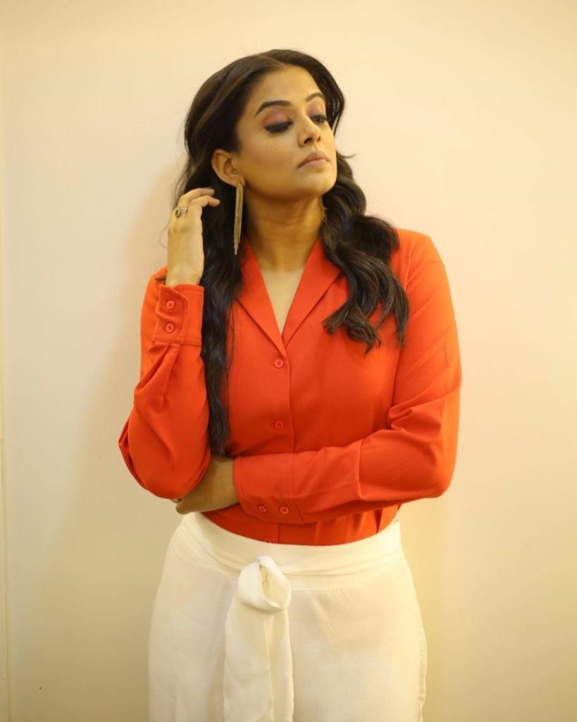 51+ Stunning Photos of Priyamani 16