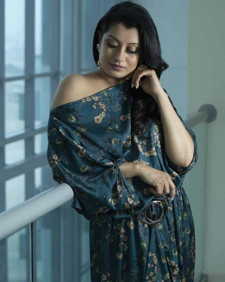 26+ Beautiful Photos of Reenu Mathews 100