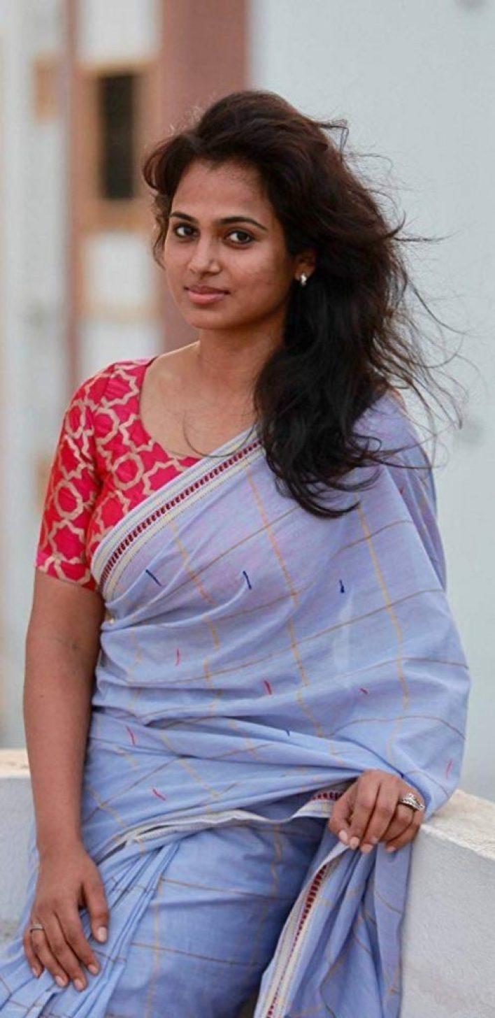 59+ Gorgeous Photos of Ramya Pandiyan 3