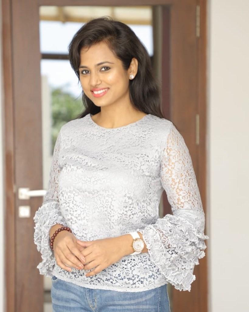 59+ Gorgeous Photos of Ramya Pandiyan 29