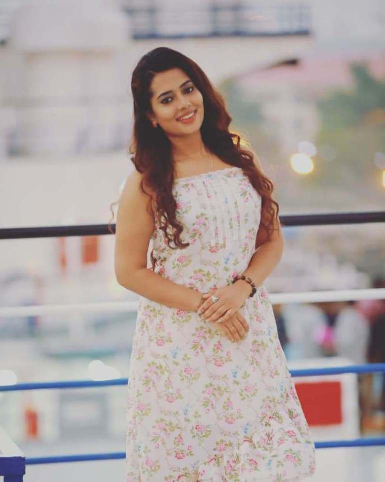 46+ Gorgeous Photos of Remya panicker 127
