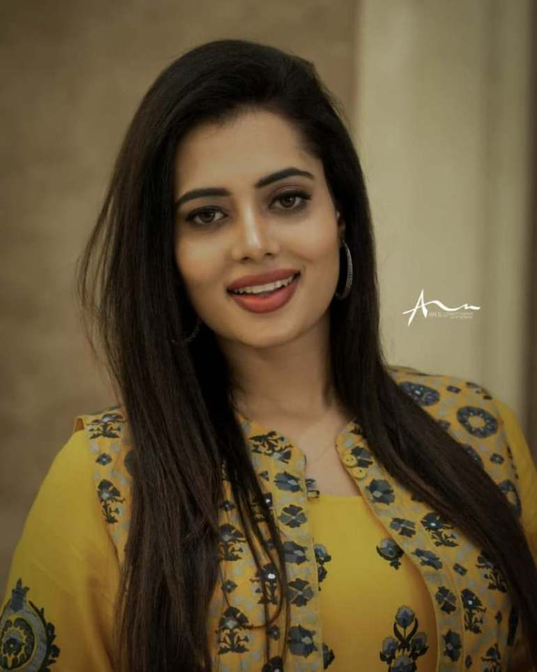 46+ Gorgeous Photos of Remya panicker 108