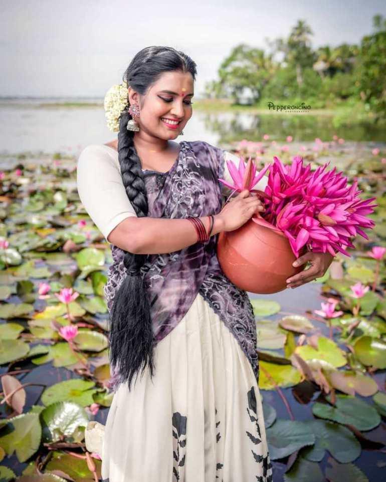 73+ Gorgeous Photos of Roshna Ann Roy 151