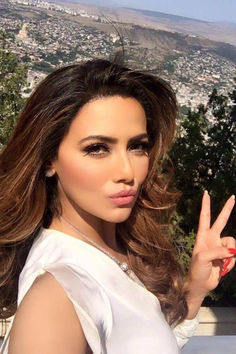 43+ Lovely Photos of Sana Khan 26