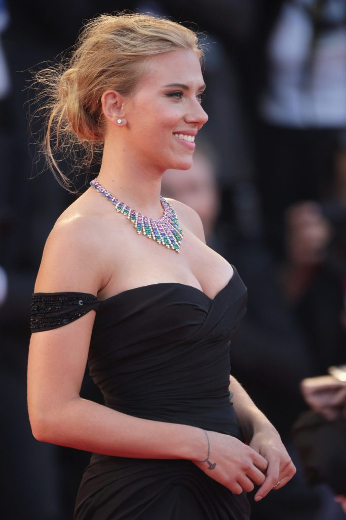 69+ Unseen Photos of Scarlett Johansson 37
