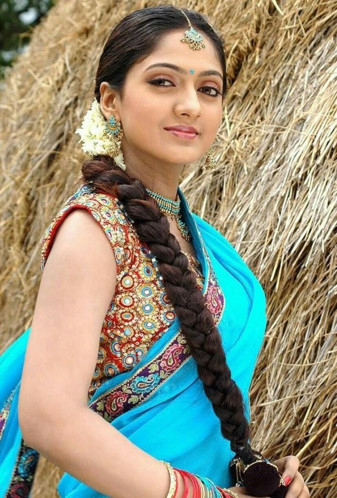 17+ Beautiful Photos of Sheela Kaur 17