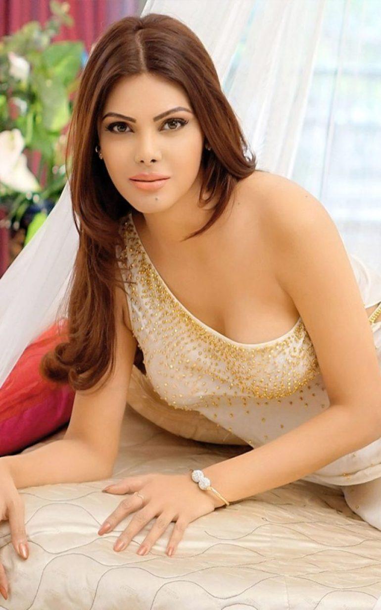 49+ Glamorous Photos of Sherlyn Chopra 8