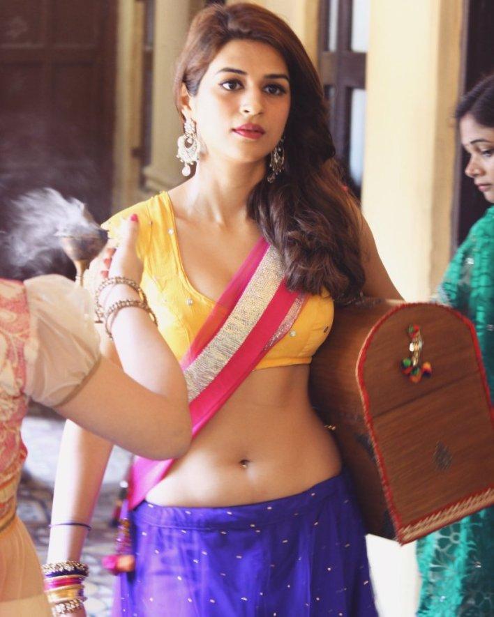 38+ Gorgeous Photos of Shraddha das 29