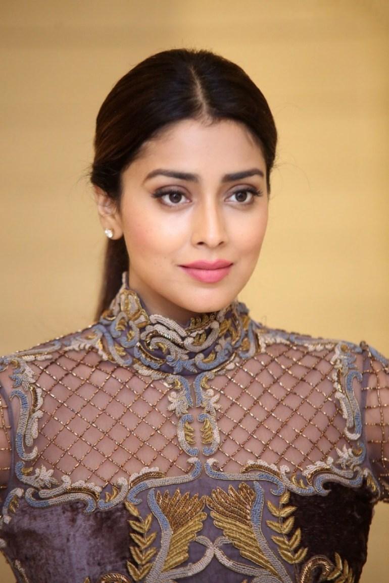 69+ Gorgeous Photos of Shriya Saran 44