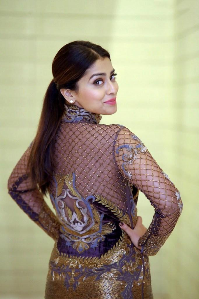 69+ Gorgeous Photos of Shriya Saran 47