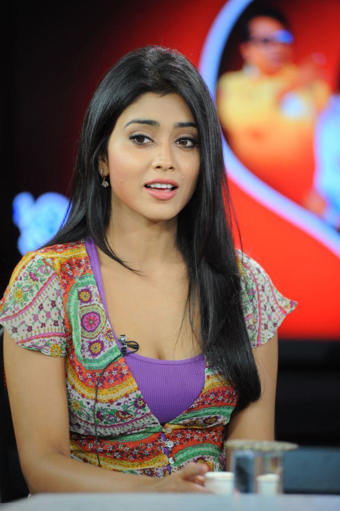 69+ Gorgeous Photos of Shriya Saran 56