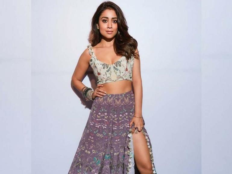 69+ Gorgeous Photos of Shriya Saran 154