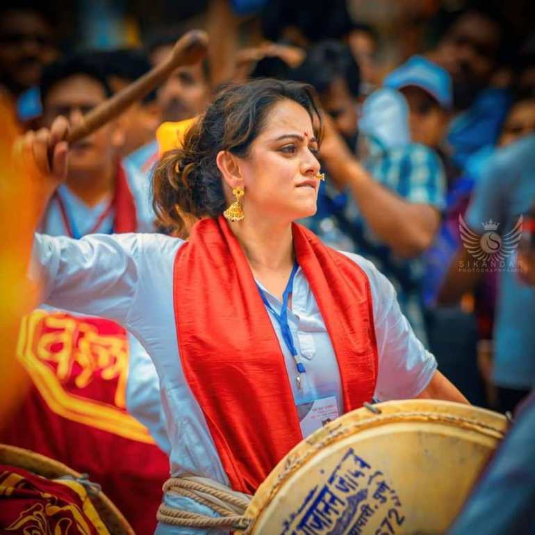 48+ Stunning Photos of Shruti Marathe 102