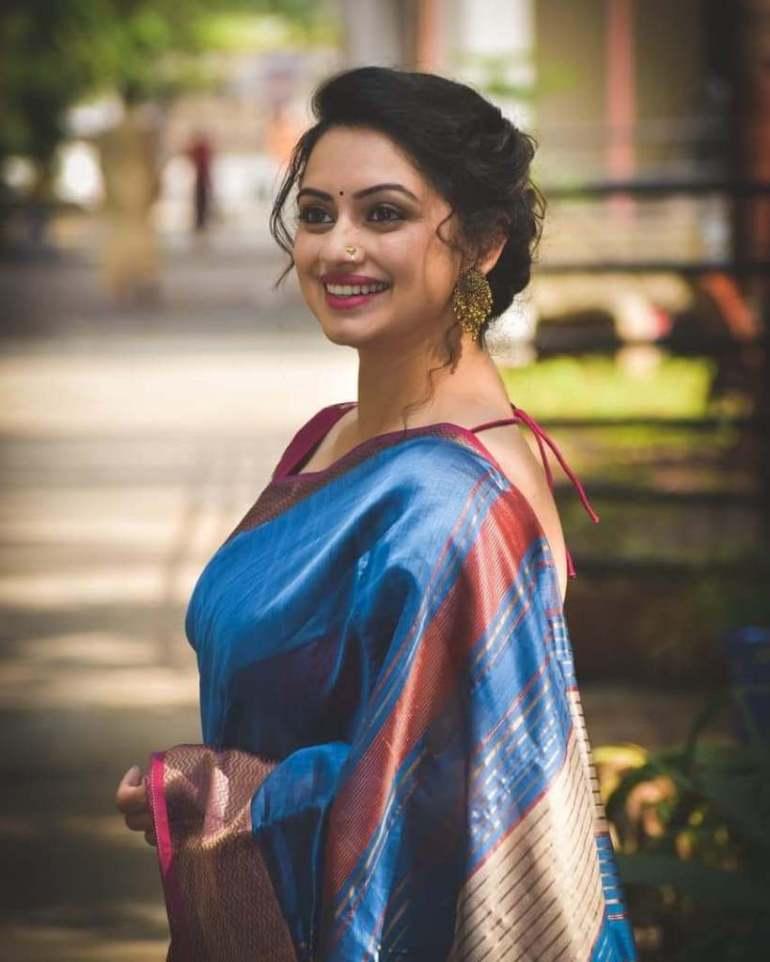 48+ Stunning Photos of Shruti Marathe 103
