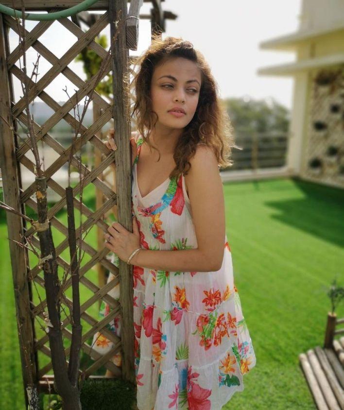 43+ Gorgeous Photos of Sneha Ullal 13