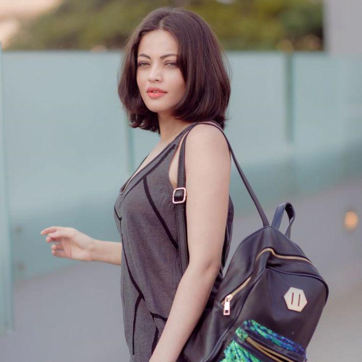 43+ Gorgeous Photos of Sneha Ullal 8