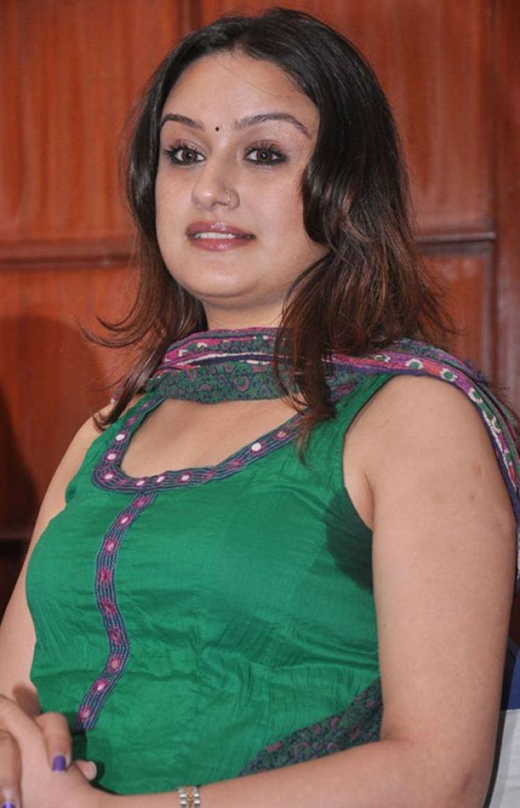 27+ Beautiful Photos of Sonia Agarwal 21
