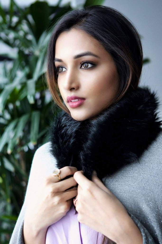 112+ Beautiful photos of Srinidhi Shetty 18