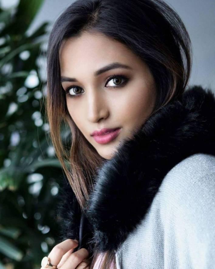 Srinidhi Shetty 112+ Beautiful photos, Wiki, Age, Biography, and Movies 63