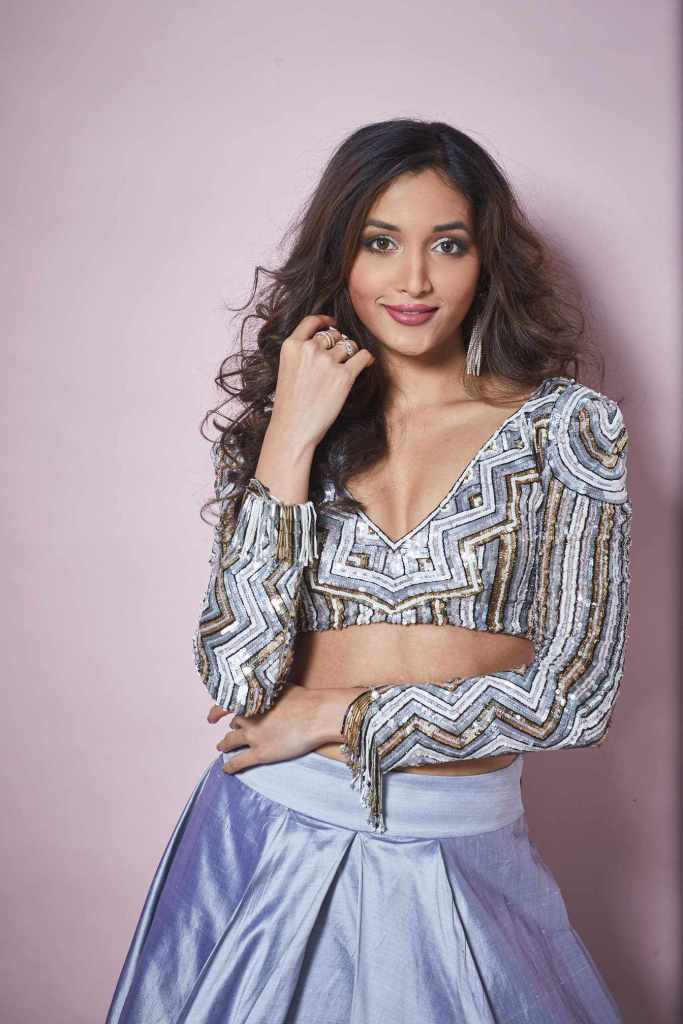 112+ Beautiful photos of Srinidhi Shetty 97