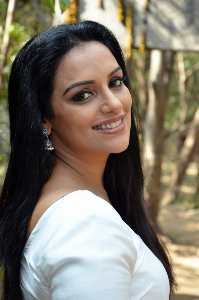 25+ Beautiful Photos of Swetha Menon 96