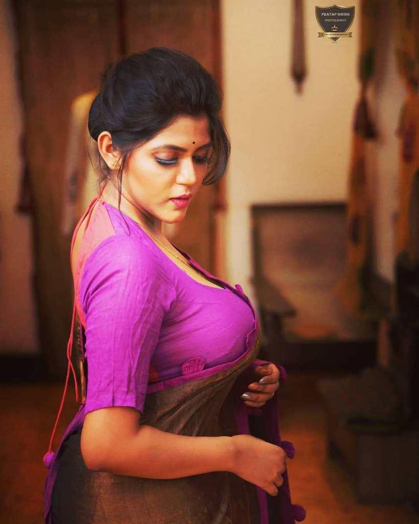 38+ Stunning Photos of Triya Das 13
