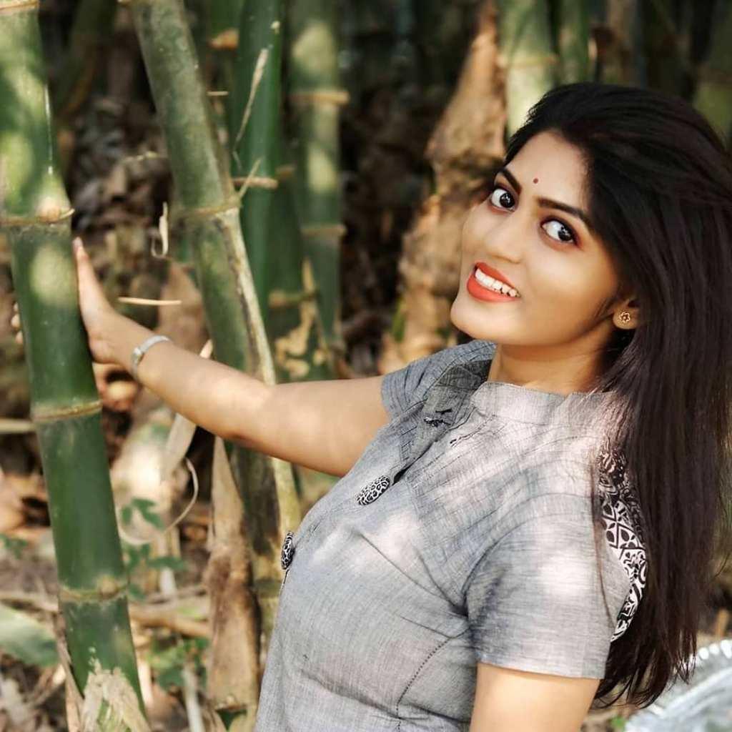 38+ Stunning Photos of Triya Das 30