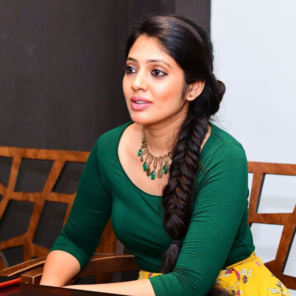 76+ Gorgeous Photos of Veena Nandakumar 25