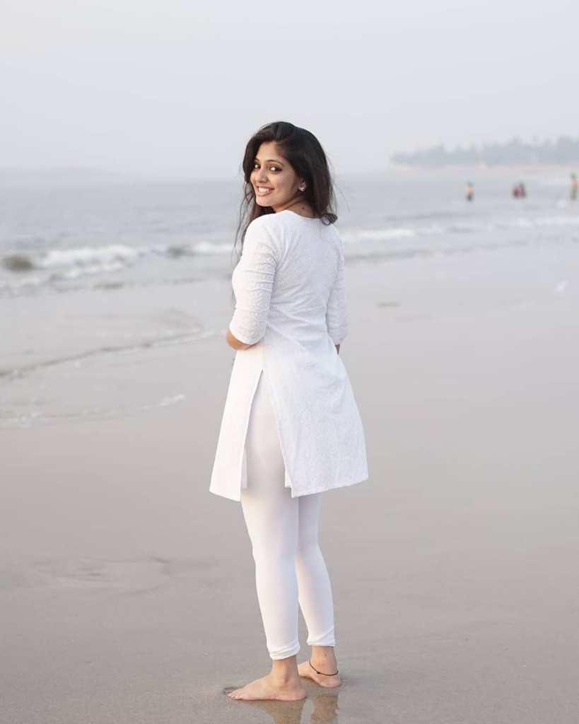 76+ Gorgeous Photos of Veena Nandakumar 7