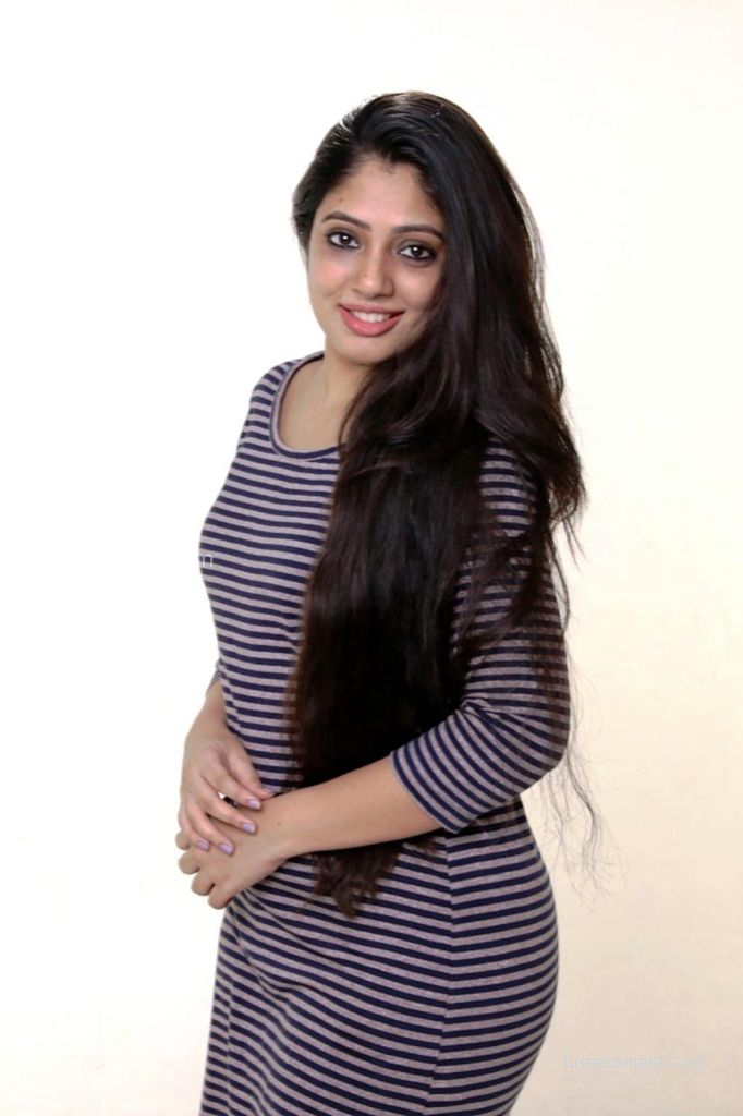 76+ Gorgeous Photos of Veena Nandakumar 76