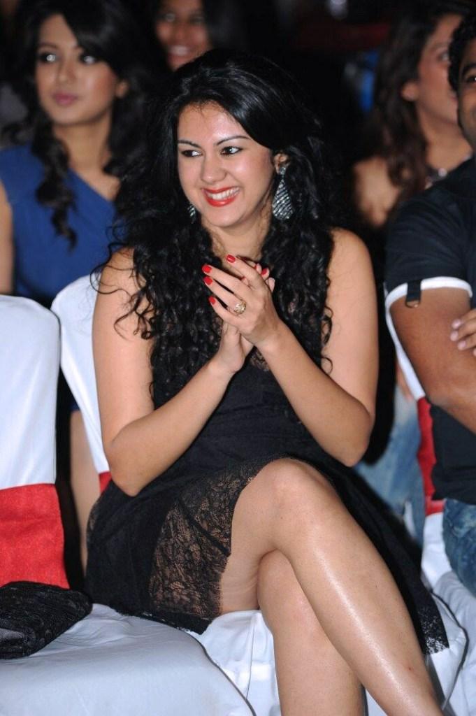 44+ Beautiful photos of Kamna Jethmalani 7