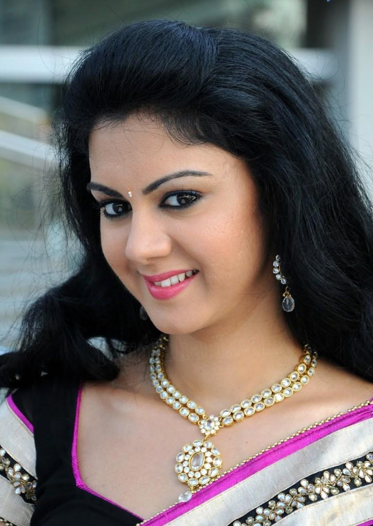 44+ Beautiful photos of Kamna Jethmalani 46