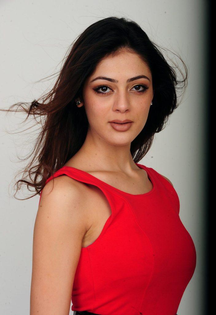 39+ Gorgeous Photos of Parvathi Melton 47