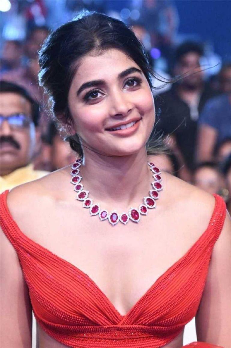 129+ Gorgeous Photos of Pooja Hegde 91