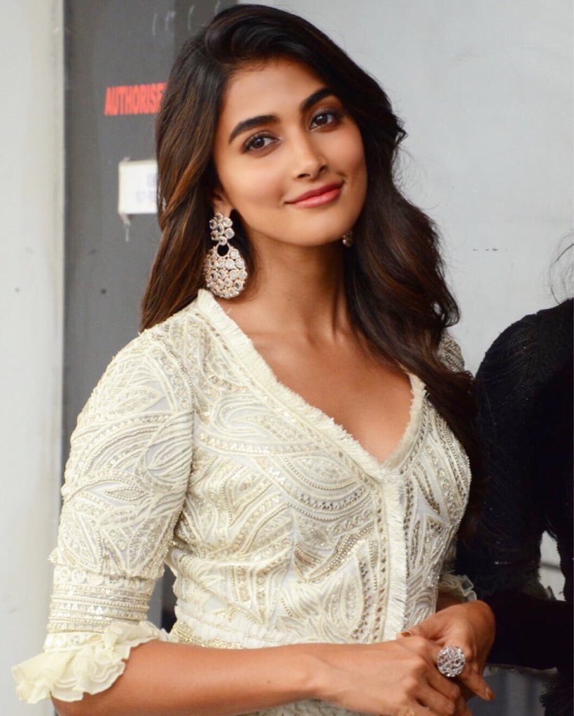129+ Gorgeous Photos of Pooja Hegde 73