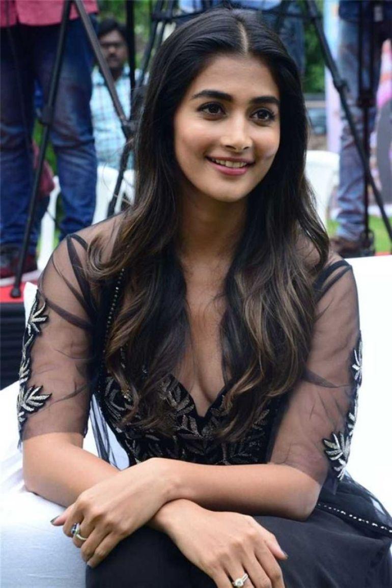 129+ Gorgeous Photos of Pooja Hegde 93