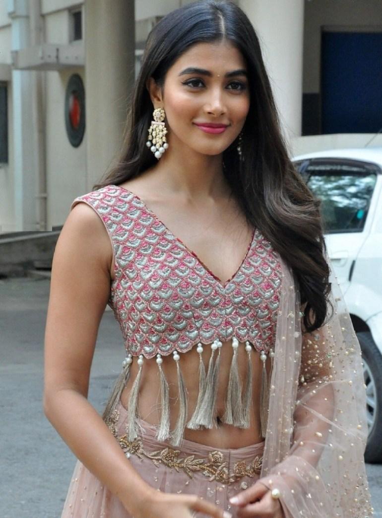 129+ Gorgeous Photos of Pooja Hegde 200