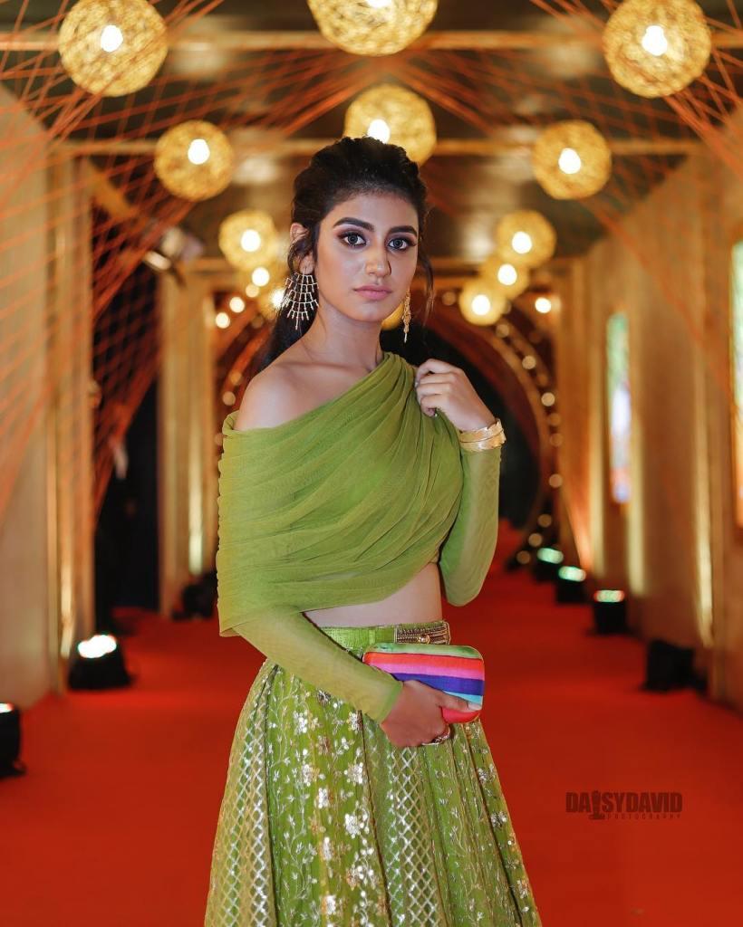 108+ Cute Photos of Priya Prakash Varrier 26